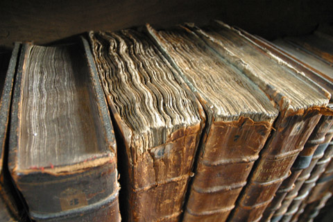 Hi-RES -Old_book_bindings